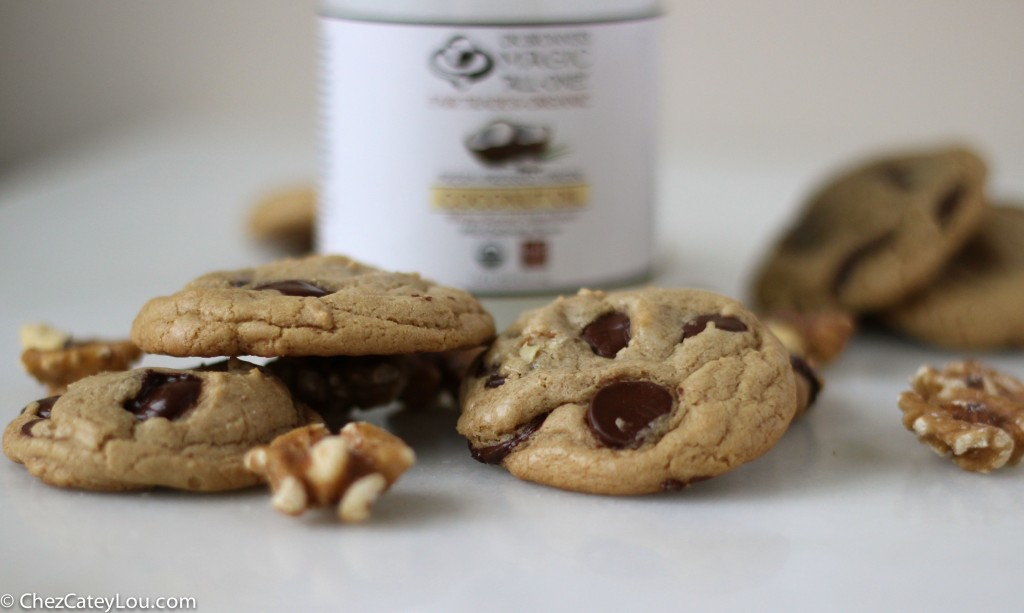 Dark Chocolate Chip Walnut Coconut Oil Cookies | ChezCateyLou.com