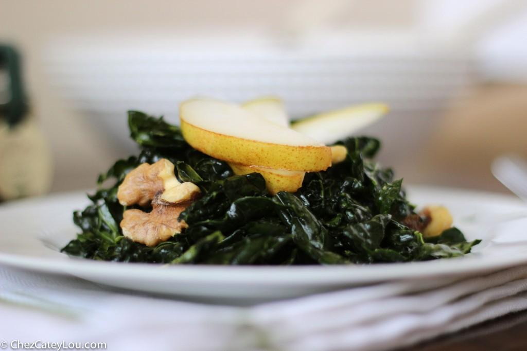 Kale Salad ~ chezcateylou.com