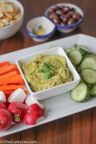 Avocado Hummus | chezcateylou.com