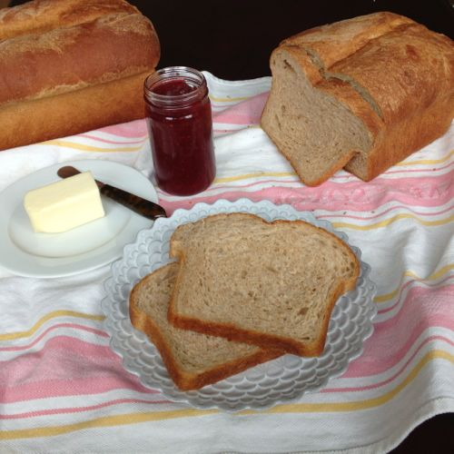 Whole Wheat Sandwich Bread | chezcateylou.com