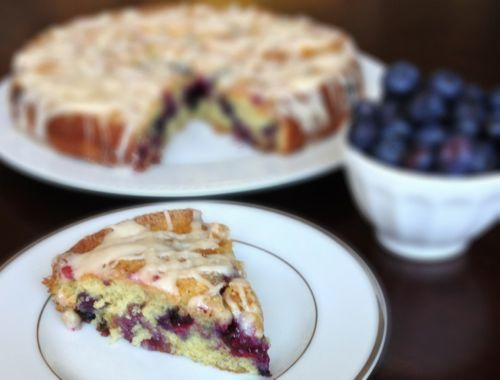 Blueberry Jam Buttermilk Coffee Cake | chezcateylou.com