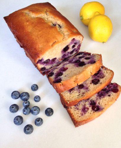 Lemon Blueberry Yogurt Loaf | chezcateylou.com