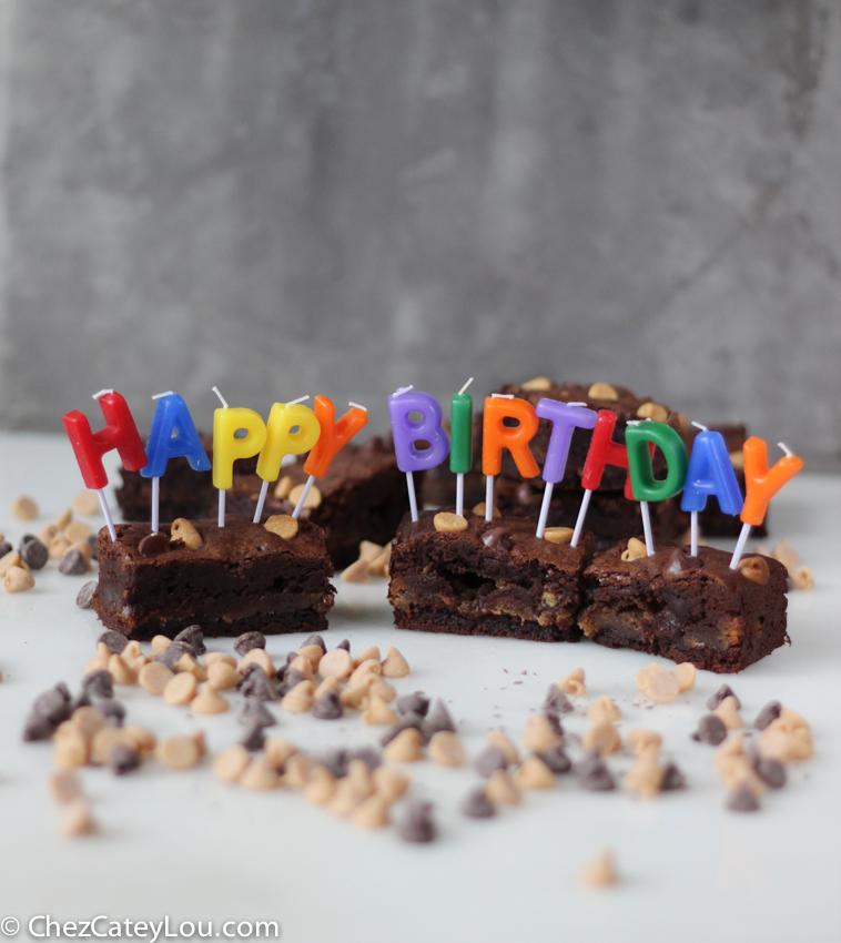 Peanut Butter Brownies | chezcateylou.com