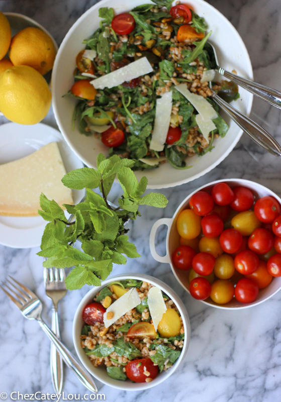 Farro Salad | chezcateylou.com