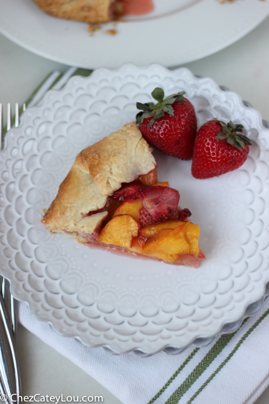 Rustic Strawberry Peach Tart | chezcateylou.com #recipe