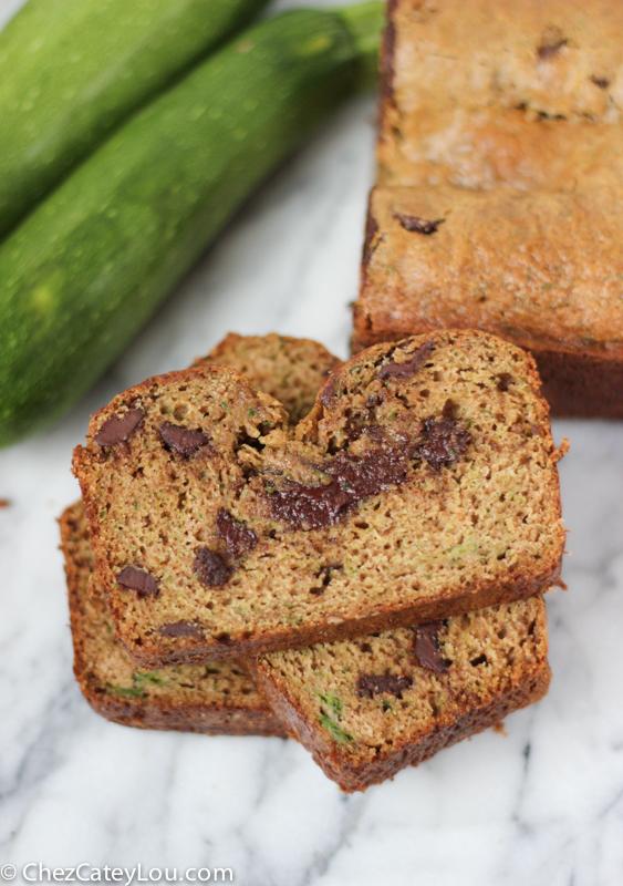 Healthier Chocolate Chip Zucchini Bread | chezcateylou.com