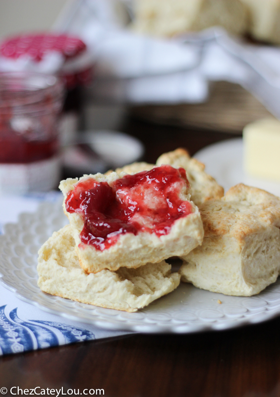 Cream Cheese Biscuits | chezcateylou.com