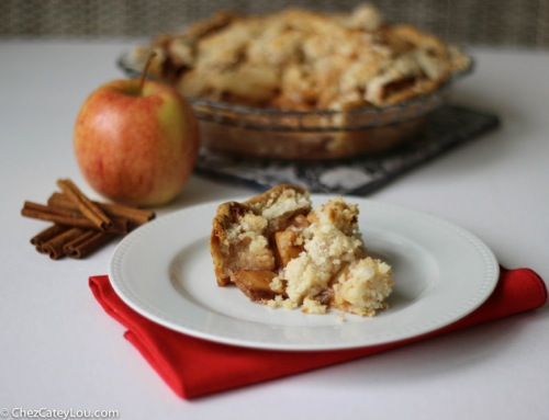Dad's Apple Crumb Pie | ChezCateyLou.com