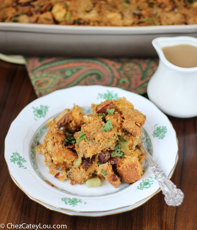 Bacon and Cornbread Stuffing for Thanksgiving | ChezCateyLou.com