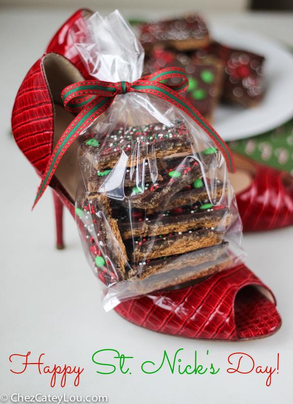 Graham Cracker Toffee aka Christmas Crack | ChezCateyLou.com