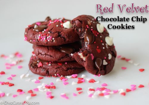 Red Velvet Chocolate Chip Cookies | ChezCateyLou.com