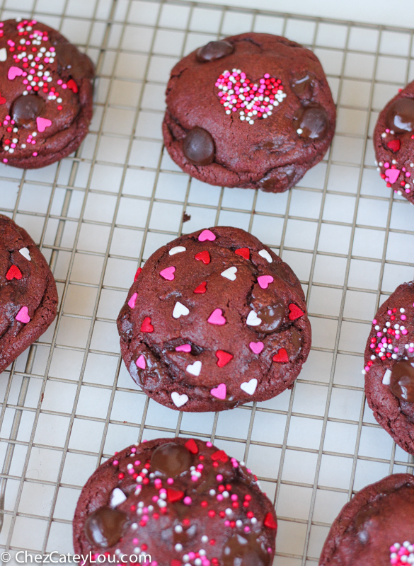 Caramel Stuffed Red Velvet Cookies | ChezCateyLou.com - the perfect Valentine's Day treat!