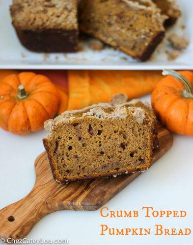 Crumb Topped Pumpkin Bread   ChezCateyLou.com