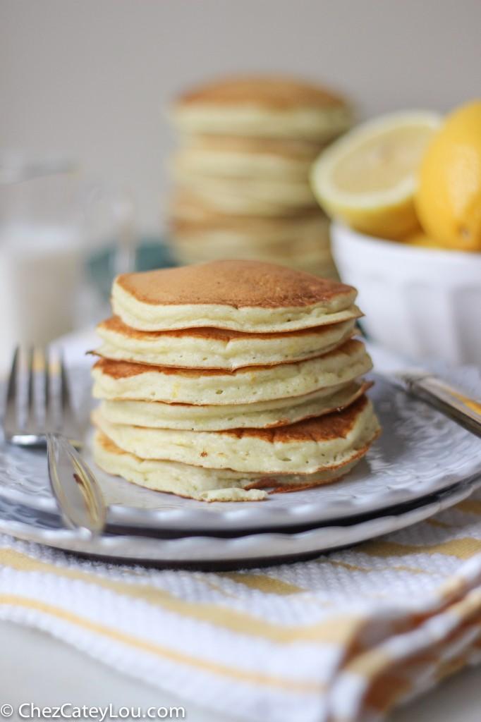 Lemon Ricotta Pancakes | chezcateylou.com