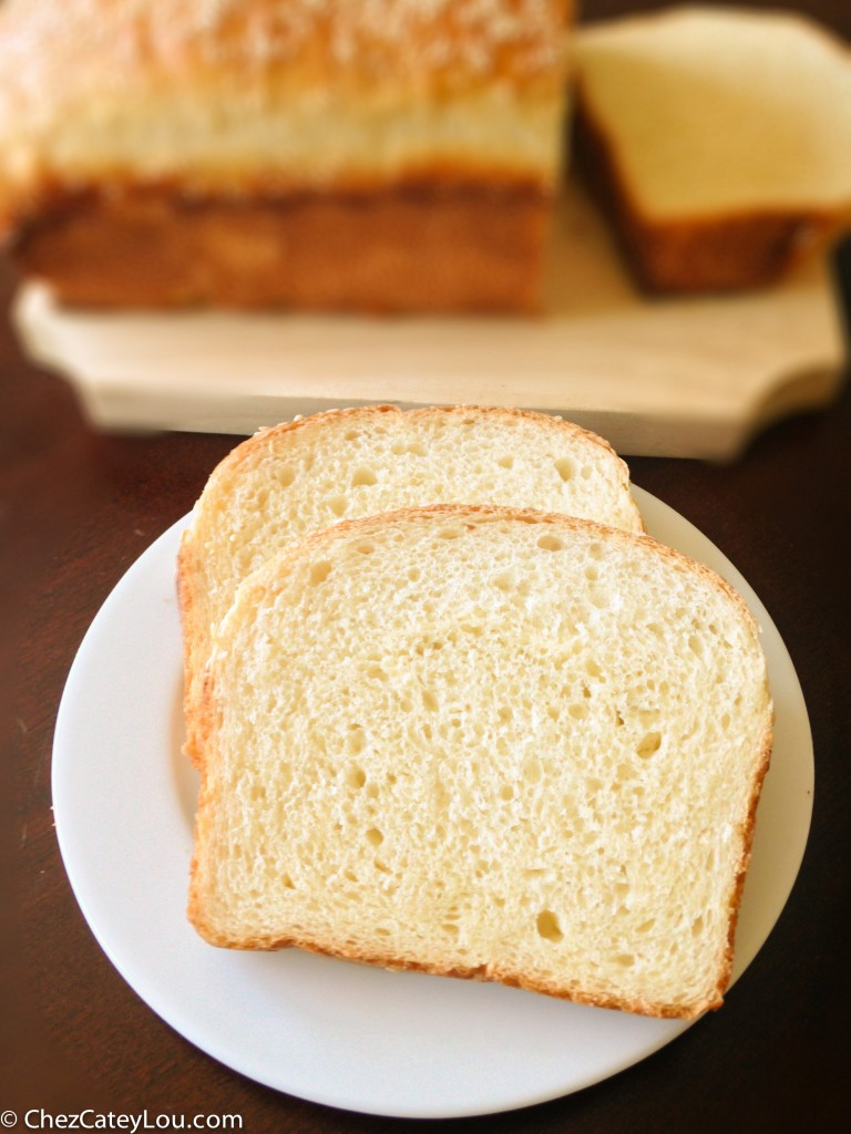 Classic White Bread | chezcateylou.com