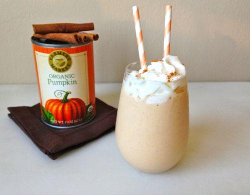 Pumpkin Pie Smoothie | chezcateylou.com