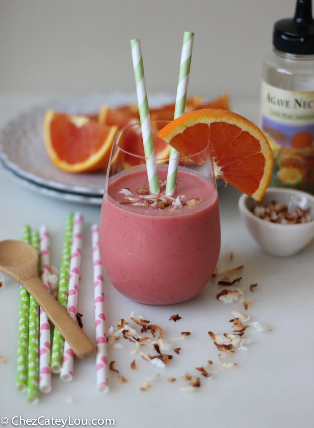 Cara Cara Orange Coconut Strawberry Smoothie | chezcateylou.com