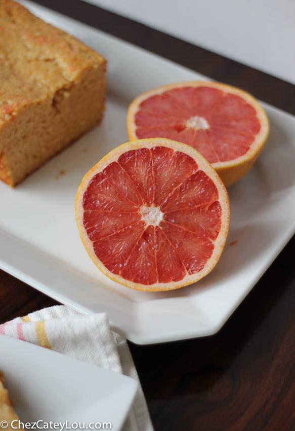 Grapefruit Yogurt Cake | chezcateylou.com