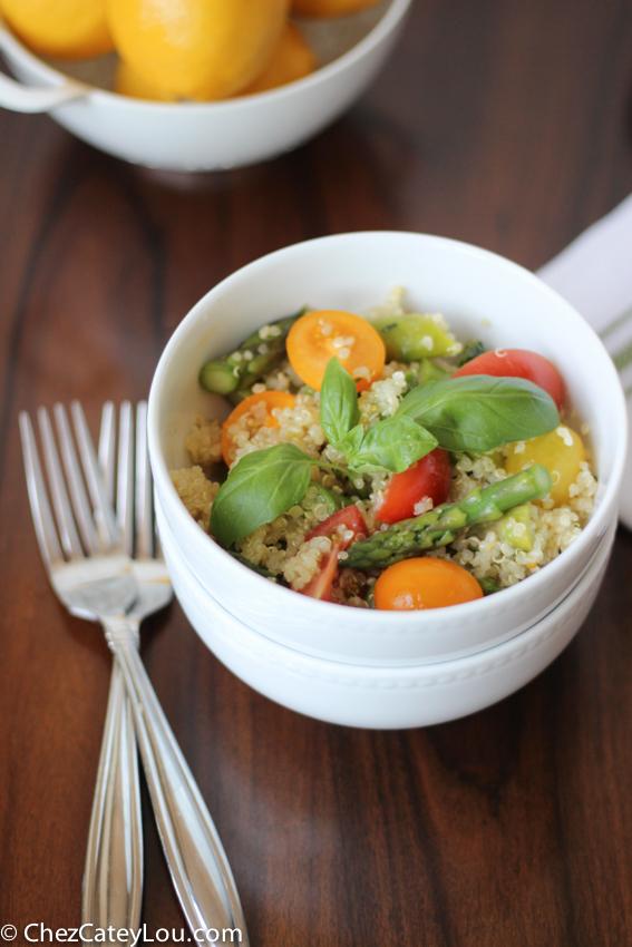 Quinoa Salad with Asparagus and Tomato | chezcateylou.com