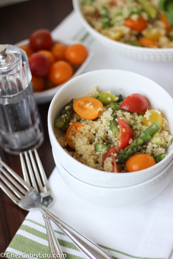 Quinoa Salad with Asparagus and Tomato | chezcateylou.com