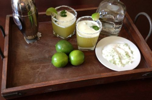 Pineapple Mint Tequila Mojito | chezcateylou.com