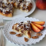 Peach Pecan Cinnamon Roll Cake | chezcateylou.com