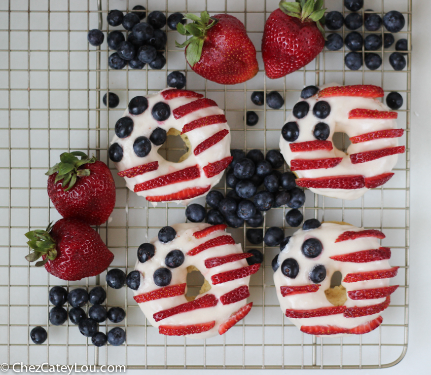 American Flag Donuts for July 4th | chezcateylou.com