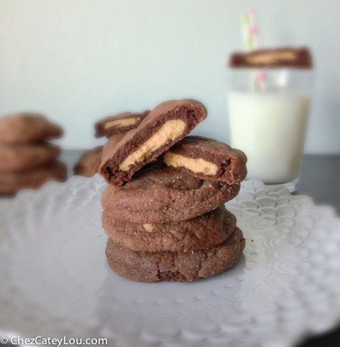 Chocolate Peanut Butter Munchies | chezcateylou.com