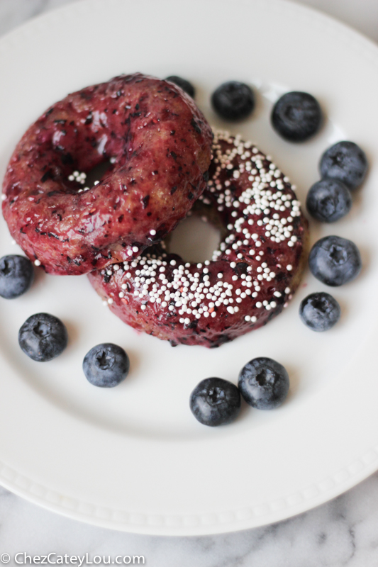 Baked Blueberry Donuts | chezcateylou.com #recipe #donuts