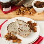 Golden Raisin Pecan Bread | chezcateylou.com