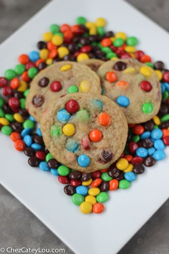 Mini M&M Cookies | chezcateylou.com