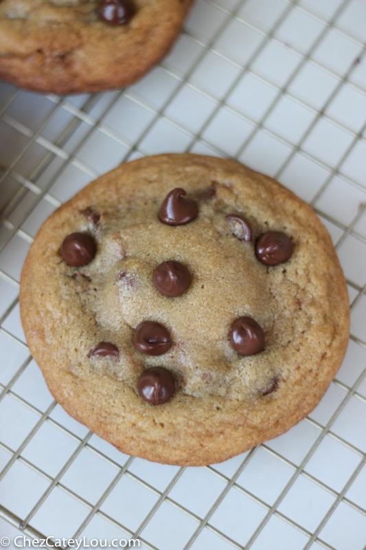Nutella Stuffed Chocolate Chip Cookies | chezcateylou.com #OXOGoodCookies