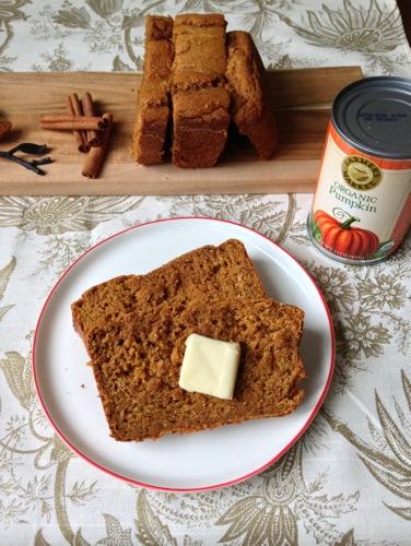 Pumpkin Yogurt Bread | ChezCateyLou.com #PumpkinWeek