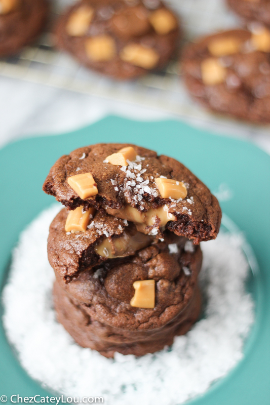 Salted Caramel Stuffed Chocolate Cookies | ChezCateyLou.com