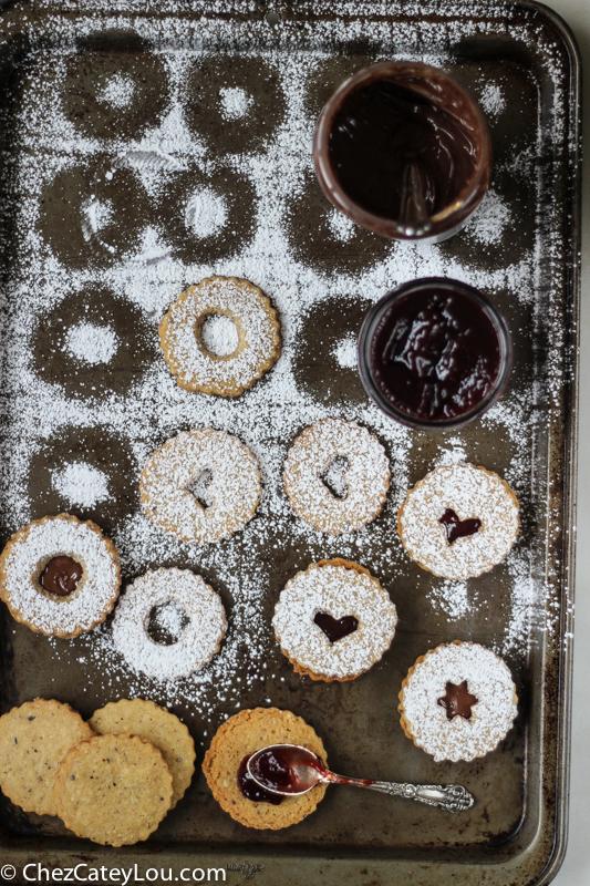 Chocolate Hazelnut Linzer Cookies | ChezCateyLou.com
