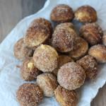 Churro Donut Holes with Dulce de Leche Filling | ChezCateyLou.com