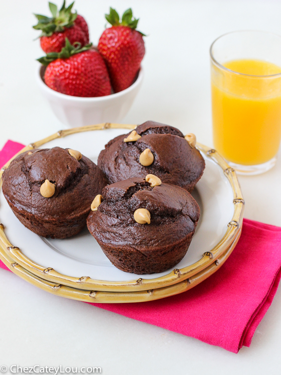 Chocolate Peanut Butter Chip Muffins | www.ChezCateyLou.com