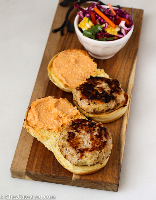 Buffalo Chicken Cheeseburgers | ChezCateyLou.com