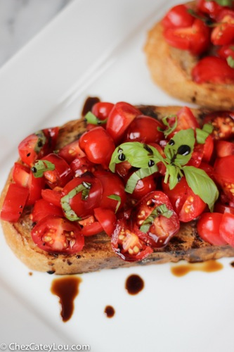 Simple Summer Bruschetta | ChezCateyLou.com
