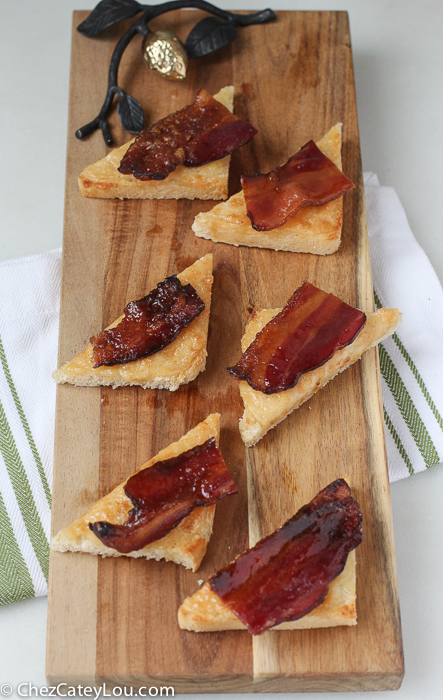 Parmesan Cheese Toast with Brown Sugar Bacon, aka The Best Appetizer Ever! | ChezCateyLou.com